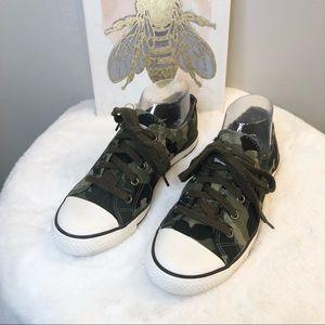 Gotta Flurt Camo Sneakers